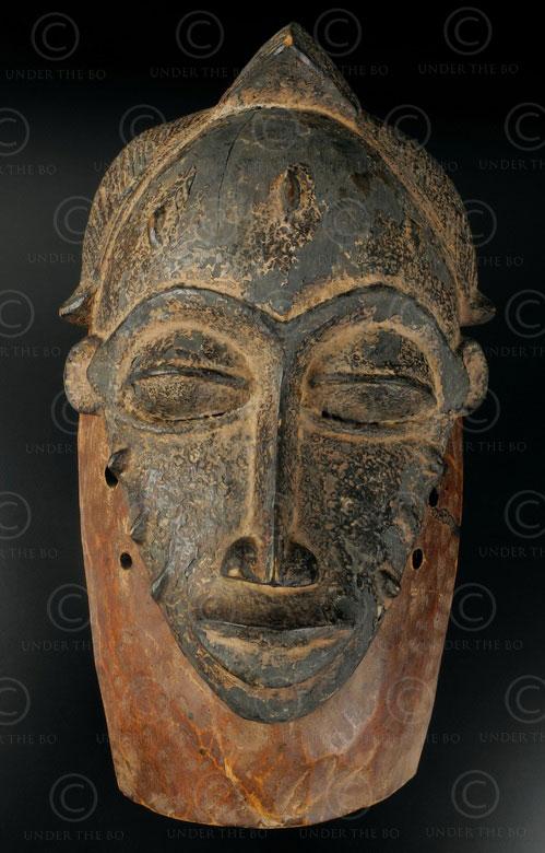 Masque tribal Baule 12VN5. Culture Baoulé, Côte d'Ivoire, Afrique de l'Ouest.