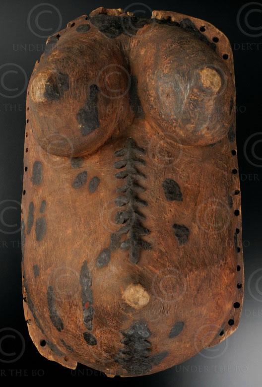 Masque ventre makondé 12OL10A. Culture Makondé, Tanzanie, Afrique de l'est.