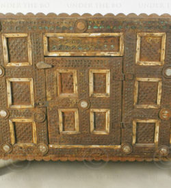 North Indian chest IN88. Rajasthan, Northern India.