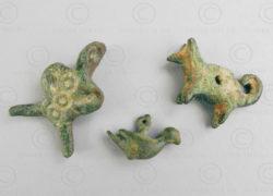 Pendentifs bronze Luristan BD160. Lot de trois petits pendentifs-amulettes en br