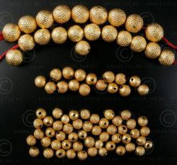 Perles or BD120. Perles indiennes en or 18 carats. Inde.