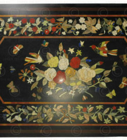 Pietra dura style table top IN10. Inlaid granite, Agra, India
