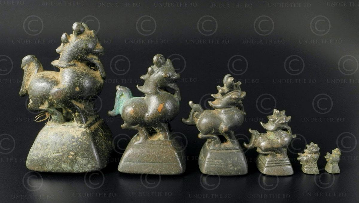 Poids Asie lion OP166. Ensemble de six Poids dit «à opium» en bronze