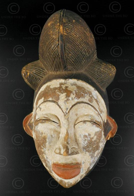 Punu white mask AF159. Punu culture, Gabon, Equatorial Africa.