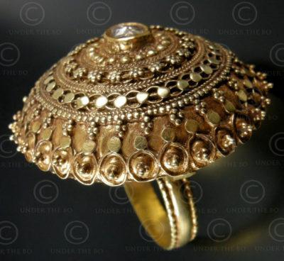 Rajastan Gold ring R264. India.