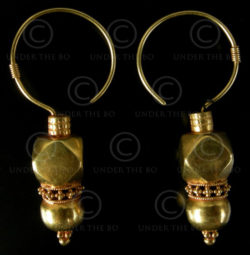 Rajastan golden earrings E192. Rajastan, West India.