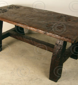 Rustic table KO18. Manufactured at Under the Bo workshop.