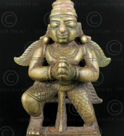 Statuette Garuda agenouille 16P39. Etat du Maharashtra, Inde du sud.