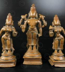 Statuette Vishnou debout bronze 16P17. Région de Bombay, état du Maharashtra, Inde du sud.