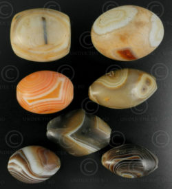 Suleimani agates beads 13SH30A. Lot of seven banded agates. Bactria, Northern Af