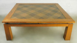 Table basse FV137. Design François Villaret, Atelier Under the Bo, Thailande.