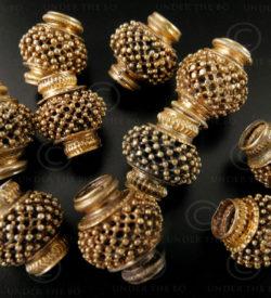 Tamil gold beads BD114B. Tamil Nadu, Southern India.