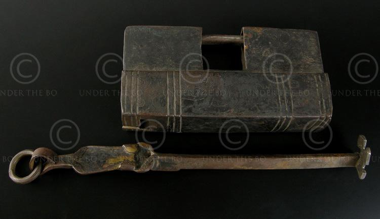 Tibetan padlock TIB89A. Tibet.