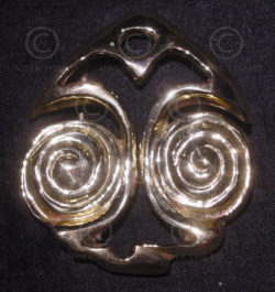 Solid brass belt buckle with spirals FB16.