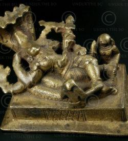 Vishnou étendu A52. Avec consorts, Sridevi et Bhudevi. Inde du nord.