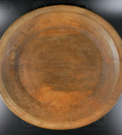 Wooden tray SW120B. Swat valley, Pakistan.