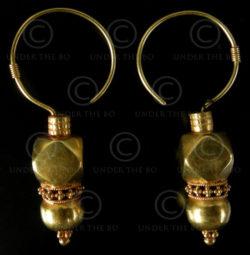 Boucles d'oreilles or Rajastan E192. Rajastan, Inde du Nord-Ouest.