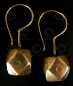 Boucles d'oreilles or Rajastan E198. Rajastan, Inde du Nord-Ouest.