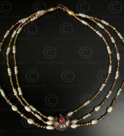 Collier avec or d'Orissa et perles baroques No.117