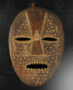 Masque Lega N8. Culture Lega. Congo (RDC).