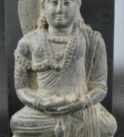 Bouddha assis schiste Gandhara PK185. Gandhara (Pakistan). Vallée de Swat.