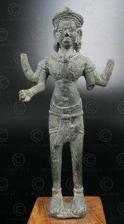 Statue Vishnou Khmère KM80A. Nord-ouest du Cambodge. Période d'Angkor.