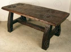 Table rustique KO18. Manufacturé dans l'atelier Under the Bo.