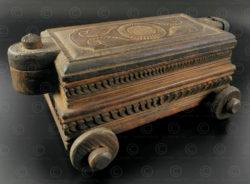 Boîte jouet en bois IN502B. Région du Kérala, Inde du sud.