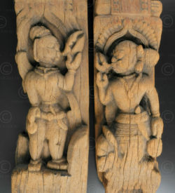 Pair of sculptures on small beam IN665. Southern India.