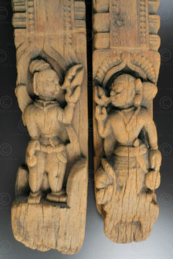 Paire sculptures sur poutrelles IN665. Inde du sud.