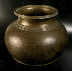 Pot de temple en bronze IN657. Inde.