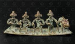 Famille de Shiva bronze tribal 16N19. état du Madhya Pradesh, Inde de l'est.
