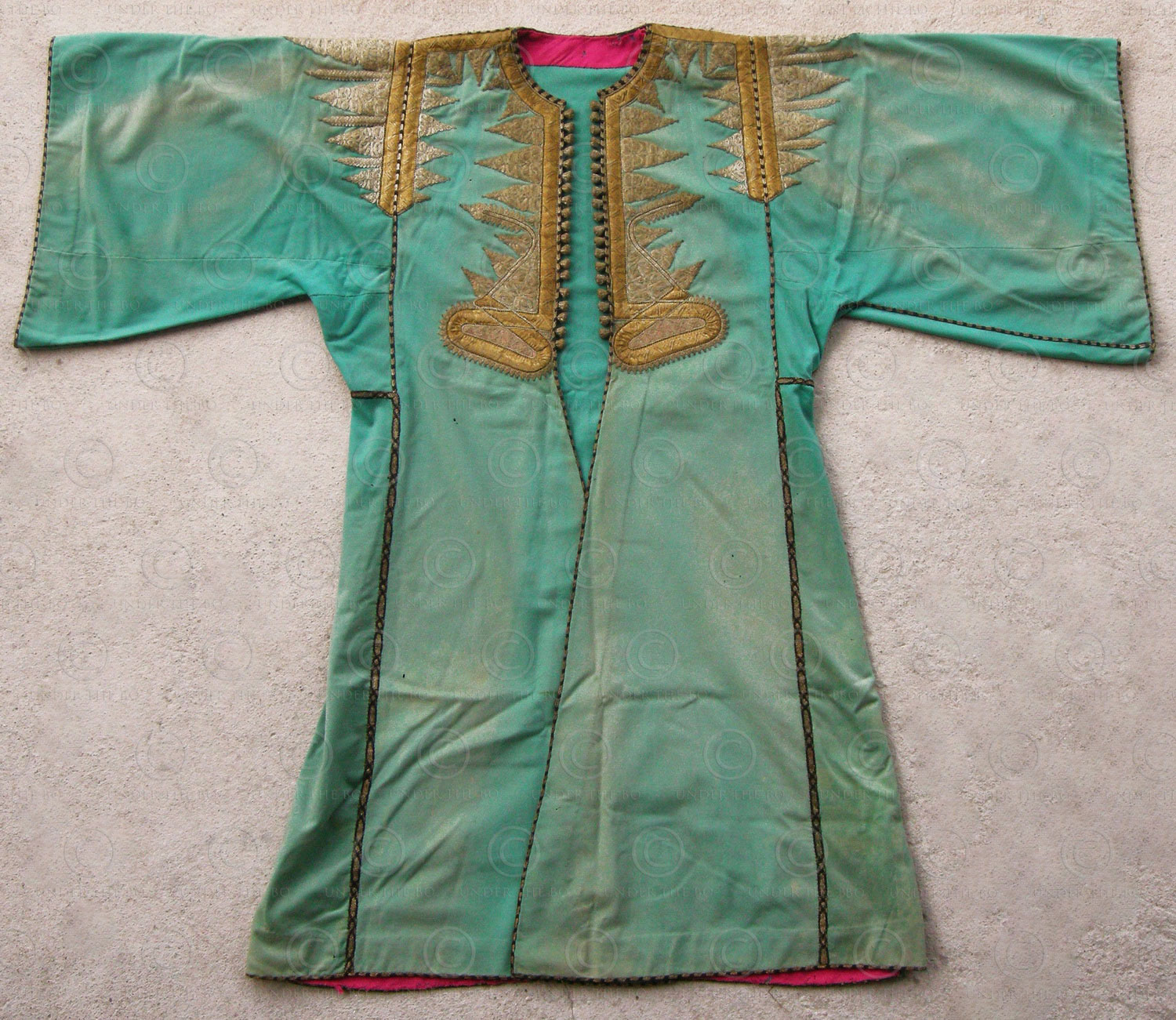 Ottoman ceremonial coat PAK43. Purchased in Syria in the early 1920s. 19th century.