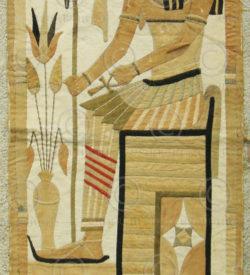 Tapisserie renouveau égyptien 12UZ09A. Acquise au Levant dans les années 1920.