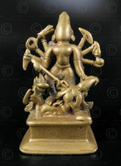 Durga bronze 16N47. Etat du Maharashtra, Inde du sud.