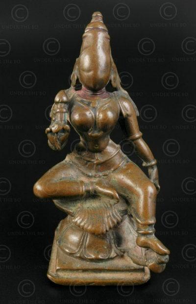 Seated Lakshmi statuette 16P36. Tamil Nadu state, Southern India.