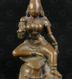Statuette Lakshmi assise 16P36. Etat du Tamil Nadu, Inde du sud.