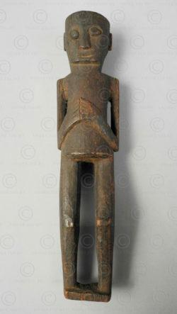 Amulette dayak iban BO261A. Tribu dayak iban, Sarawak ou Kalimantan de l'ouest, Indonésie.