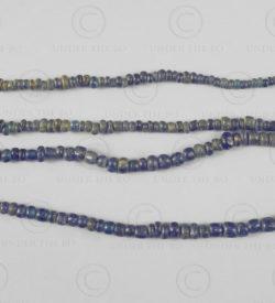 Perles Bornéo verre bleu BD256. Kalimanatan de l'ouest, Indonésie.