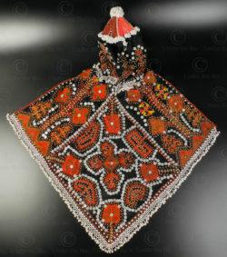 Coiffe fillette Kohistan KO97. Régions tribales, Kohistan, Pakistan du Nord.