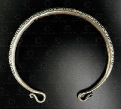 Bracelet argent hmong B239. Style minorité Hmong, nord du Laos.