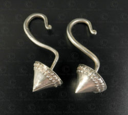 Lanna silver earrings E182. Ancient Lanna kingdom, Northern Thailand.