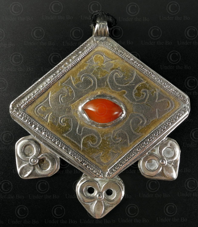 Pendentif argent turkmène P107. Culture turkomeène tékké, Asia centrale.