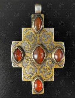 Pendantif croix turkmène argent P209. Culture turkomeène tékké, Asia centrale.