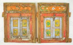 Paire de petites fenêtres peintes 17F51. Province du Pendjab, Pakistan.