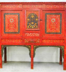 Punjab decorative cupboard 17F47. Chiniot area, Punjab, Pakistan.