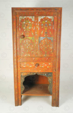 Small Punjab Decorative cupboard FC58. Chiniot area, Punjab, Pakistan.