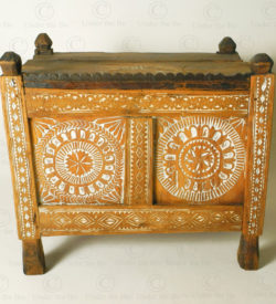 Antique Afghan chest 17F09. Laghman province, Eastern Afghanistan.