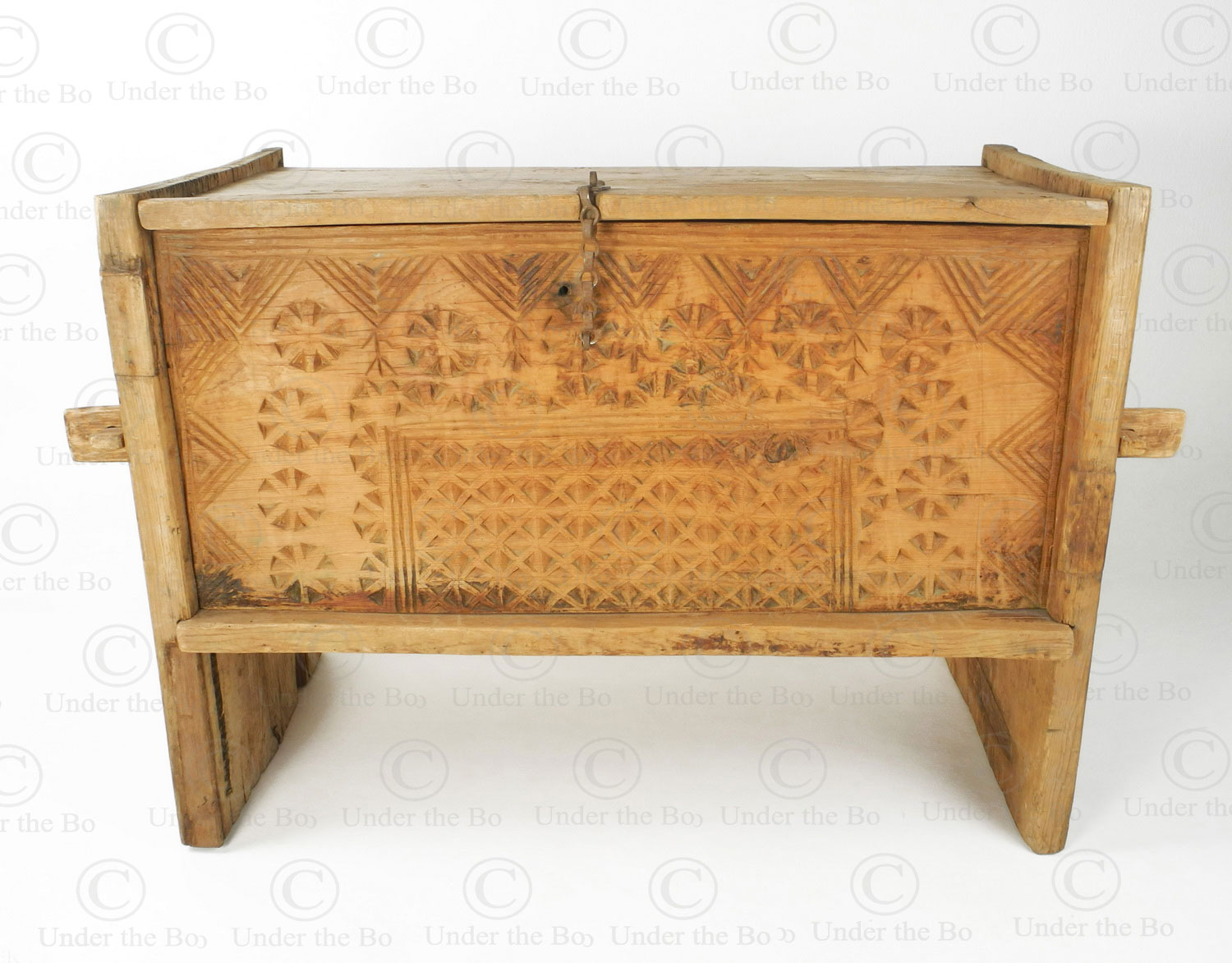 Chitral Antique Chest 17f39