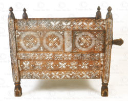 Kohistan antique chest 17F29. Pallas valley, Indus Kohistan region, Northern Pakistan.
